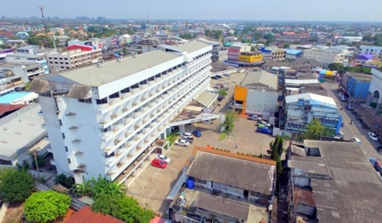 โรงแรมเพชรโฮเต็ล เพชรน้ำหนึ่งแห่งเมืองกำแพงเพชร