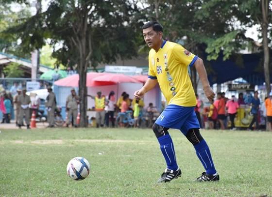ผู้ว่าราชการจังหวัดกำแพงเพชรเปิดการแข่งขันฟุตบอล วังบัว คัพ ครั้งที่ 31