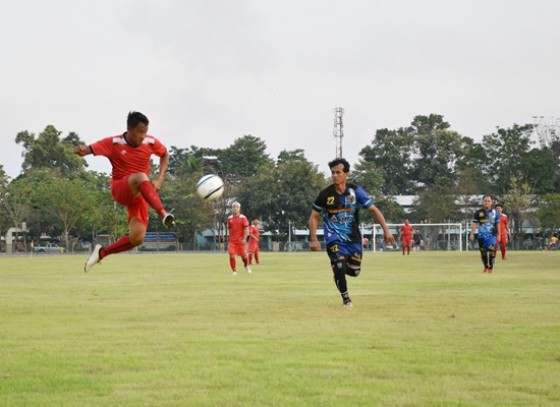 การแข่งขันฟุตบอล อาวุโส กระชับมิตร รายการพิเศษ ฉลองการเปิดใช้สนามใหม่ อบจ.2