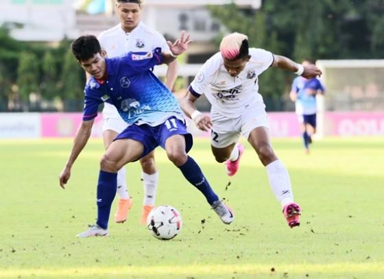 กำแพงเพชร-ทีมนักรบชากังราว เปิดบ้านเฉือนชนะทีมขุนพลนเรศวร สุดมัน  2 ประตูต่อ 1 ในการแข่งขันฟุตบอลไทยลีก 3 ฤดูกาล 2020