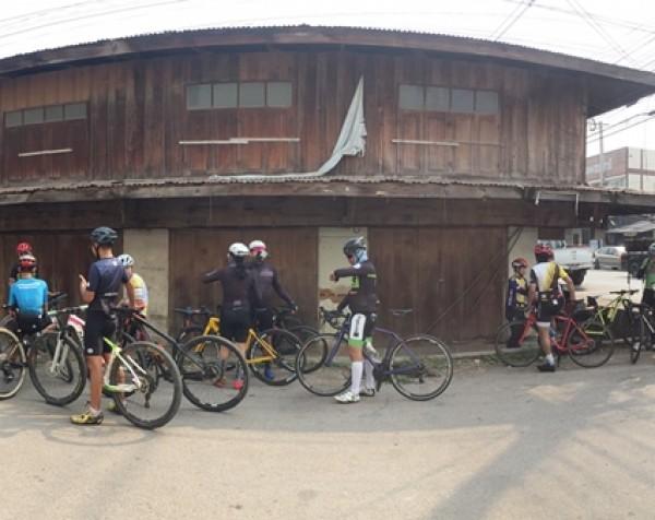 กำแพงเพชร-สมาคมกีฬาจักรยานชากังราว จัดทริปปั่นจักรยานเพื่อสุขภาพ ให้ประชาชนที่สนใจการขี่จักรยาน ได้มีสุขภาพที่แข็งแรง และต้านภัย โควิด
